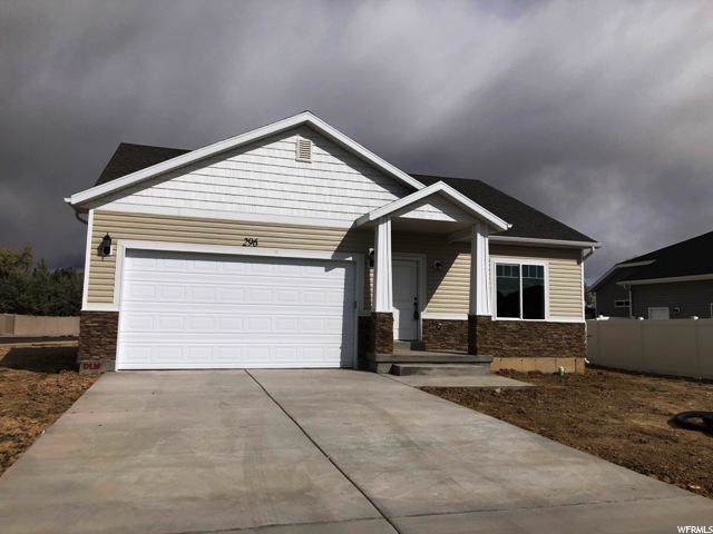 296 W 775 S, Vernal, UT 84078 (#1650084) :: Big Key Real Estate