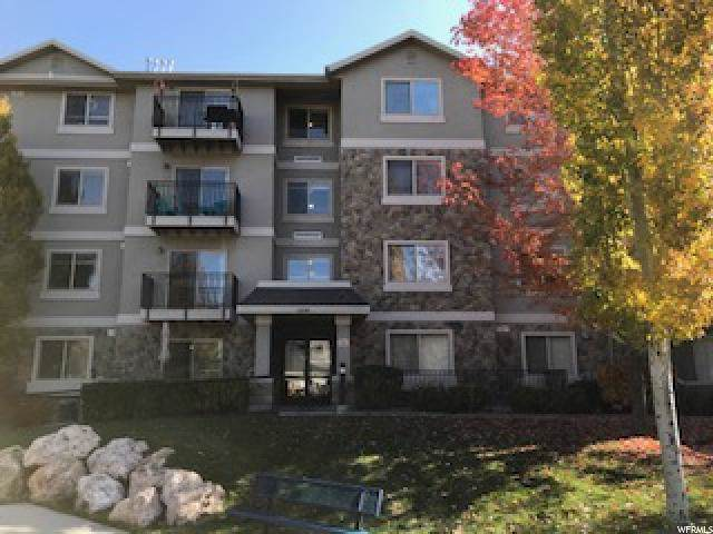 1230 E Privet Dr S #323, Cottonwood Heights, UT 84121 (#1650521) :: The Canovo Group