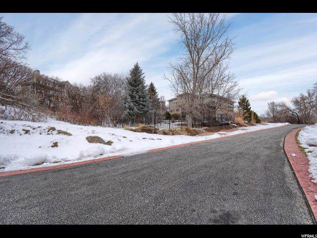 5619 Fox Chase Dr, South Ogden, UT 84403 (#1650979) :: Doxey Real Estate Group