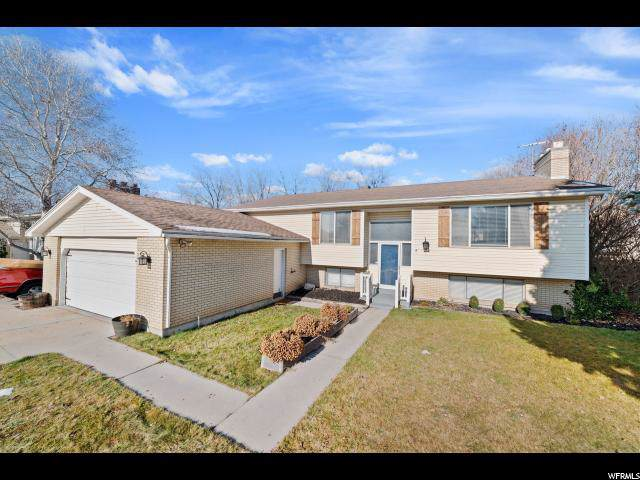 1407 E Hollow Dale Dr S, Cottonwood Heights, UT 84121 (#1651586) :: Red Sign Team