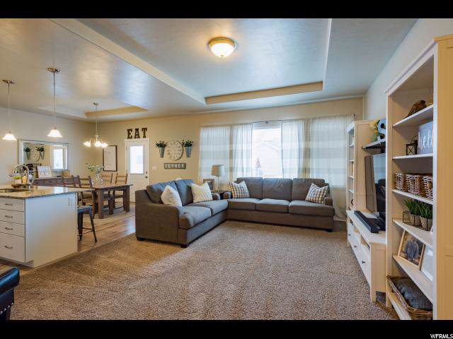 569 S 2200 W, Layton, UT 84041 (#1651822) :: Utah City Living Real Estate Group