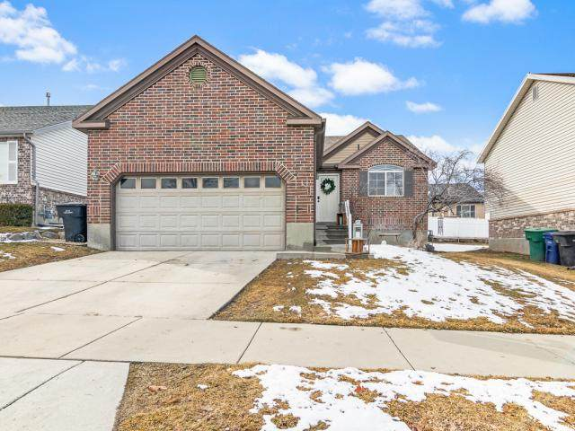 8558 S 6430 W, West Jordan, UT 84081 (#1652257) :: Big Key Real Estate