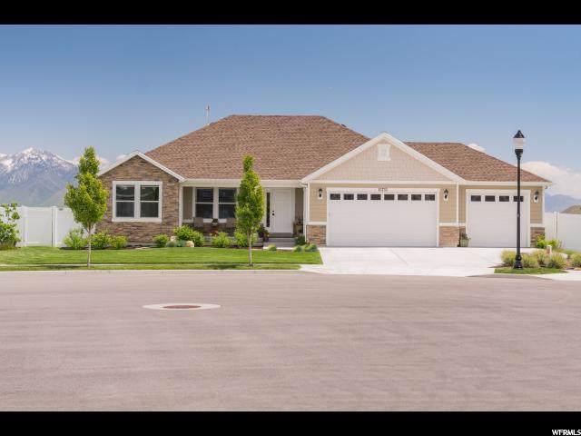 13733 S Bronco Hills Cir, Herriman, UT 84096 (#1652601) :: goBE Realty
