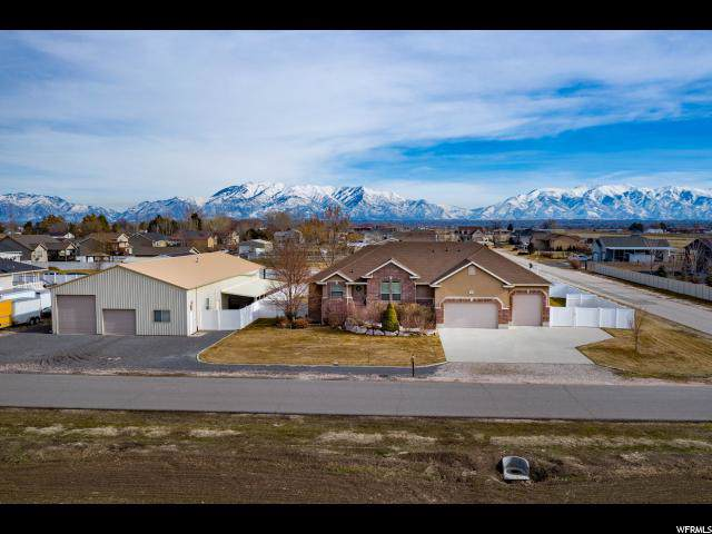 5944 S 6300 W, Hooper, UT 84315 (#1652973) :: Doxey Real Estate Group