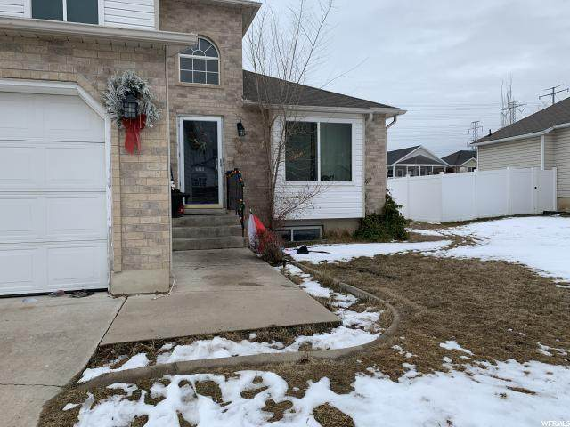 5402 S 3375 St W, Roy, UT 84067 (#1653740) :: RE/MAX Equity