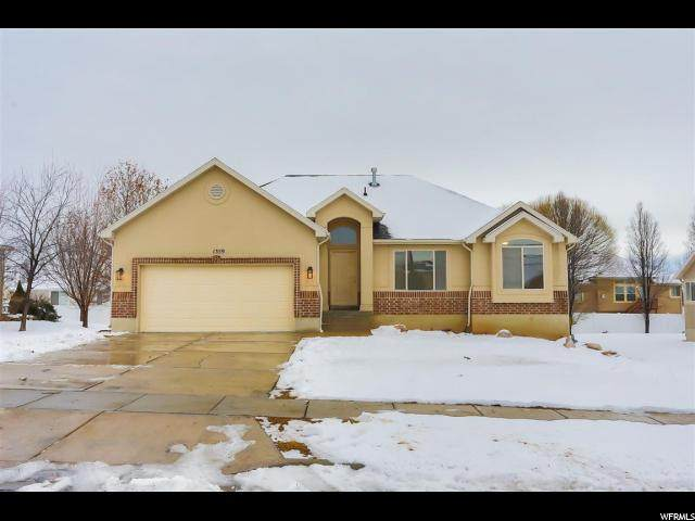 1359 W 2175 S, Syracuse, UT 84075 (#1654580) :: Doxey Real Estate Group