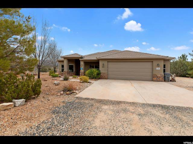 813 W Foothill Dr, Apple Valley, UT 84737 (#1655105) :: goBE Realty