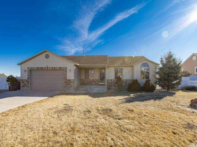 50 N Meadowlark Cir W, Grantsville, UT 84029 (#1655392) :: Big Key Real Estate