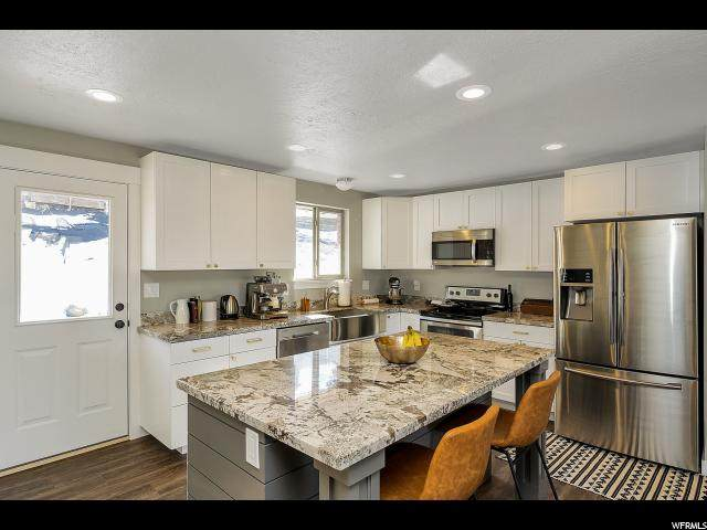 1602 E 8640 S, Sandy, UT 84093 (#1656407) :: Action Team Realty