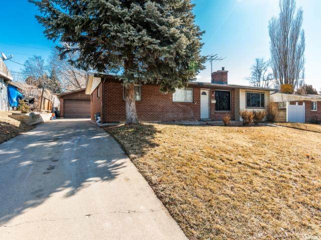 381 N 200 W, Clearfield, UT 84015 (#1657441) :: The Canovo Group