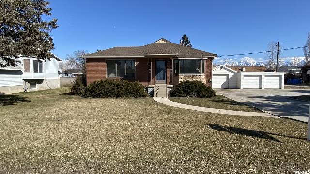 3995 S 3600 W, West Valley City, UT 84119 (#1658954) :: Doxey Real Estate Group
