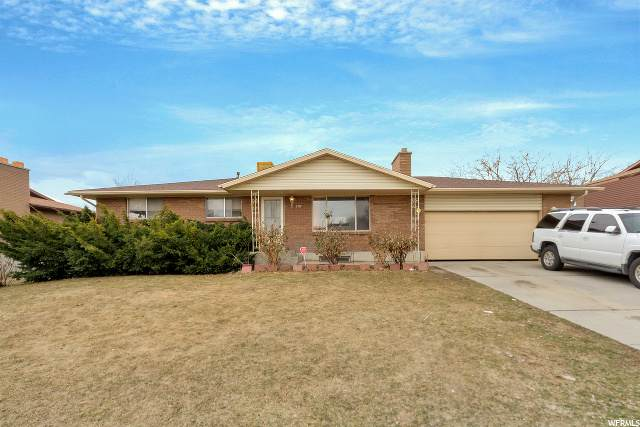 3315 Bluecrest Dr, West Valley City, UT 84119 (#1659633) :: RE/MAX Equity