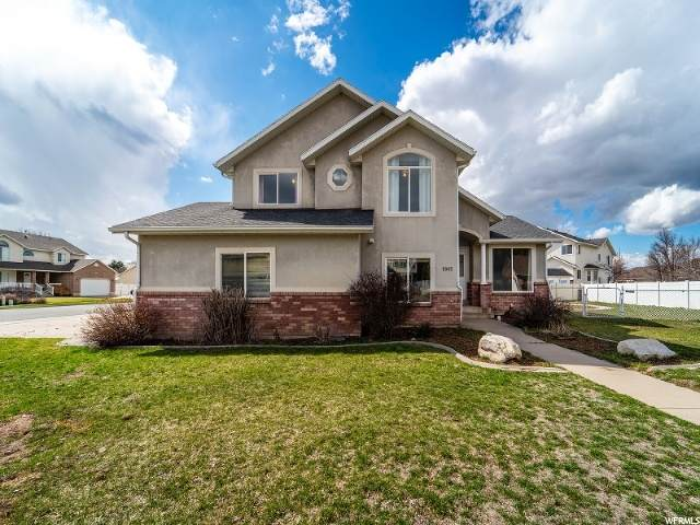 5965 S Cedar Ln, South Ogden, UT 84403 (#1660401) :: Doxey Real Estate Group