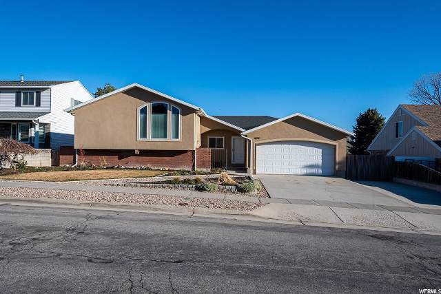 3074 W Robinwood Dr S, Taylorsville, UT 84129 (#1660737) :: RE/MAX Equity