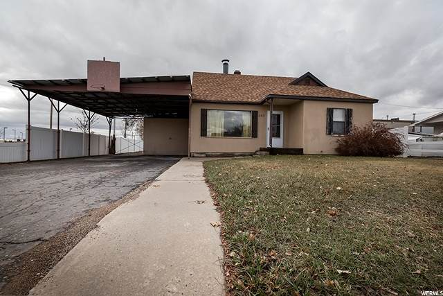 243 W 200 N, Vernal, UT 84078 (#1660837) :: Berkshire Hathaway HomeServices Elite Real Estate