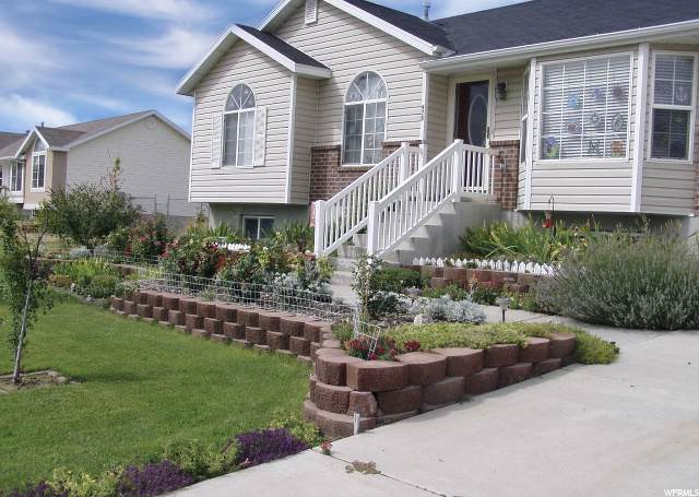 978 S Killarney Dr W, Syracuse, UT 84075 (MLS #1661893) :: Lookout Real Estate Group