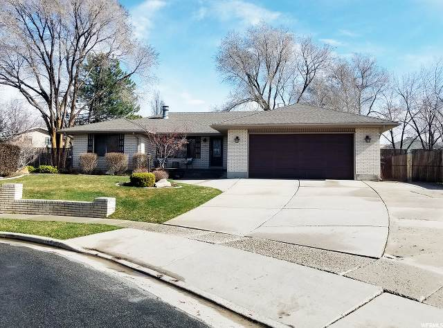 193 E Silver Willow Dr, Sandy, UT 84070 (#1664559) :: Exit Realty Success