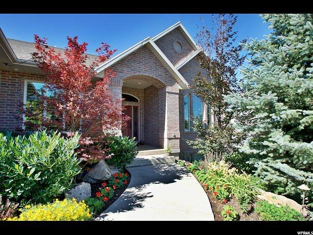 1543 E Lakeview Way, Ogden, UT 84403 (#1664703) :: EXIT Realty Plus