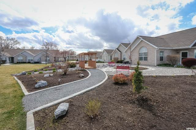 4666 W Villa View Dr S B, West Valley City, UT 84120 (#1664860) :: Colemere Realty Associates