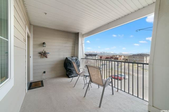 2017 N Crest Rd, Saratoga Springs, UT 84045 (#1664911) :: goBE Realty