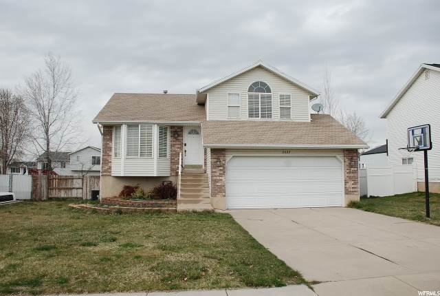 2662 W 3950 S, Roy, UT 84067 (#1665215) :: Doxey Real Estate Group