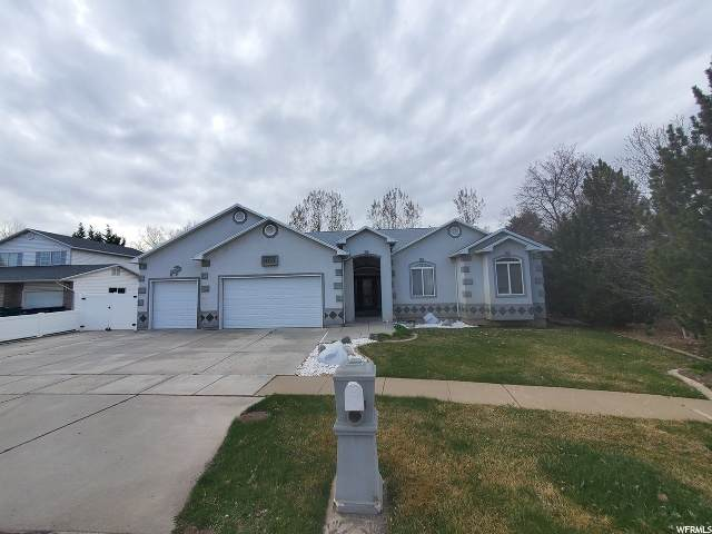 4423 S 1800 W, Roy, UT 84067 (#1665537) :: Doxey Real Estate Group