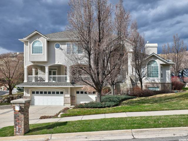 3385 E Stone Mountain Ln, Sandy, UT 84092 (#1665557) :: The Fields Team