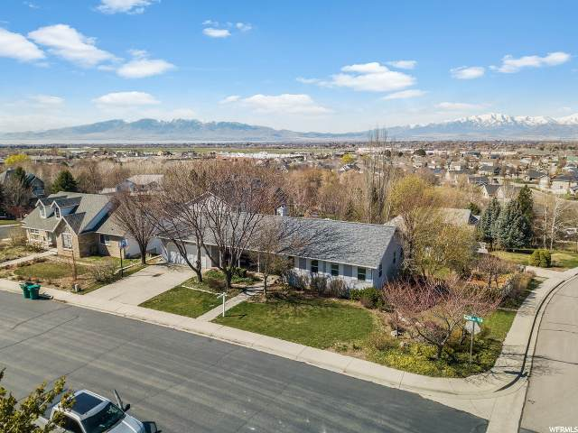 10357 N Cottonwood Dr, Cedar Hills, UT 84062 (#1665717) :: Red Sign Team