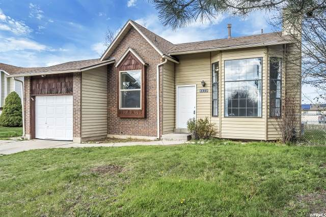 5773 S 3850 W, Roy, UT 84067 (#1665817) :: Doxey Real Estate Group