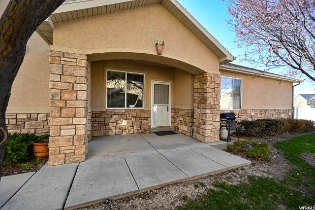 6974 W Harlech Ln, West Valley City, UT 84128 (#1665892) :: Doxey Real Estate Group