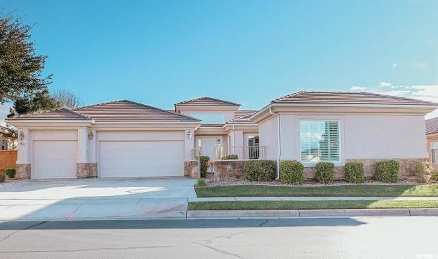 4492 S Broadmoor Dr, St. George, UT 84790 (#1666044) :: Colemere Realty Associates