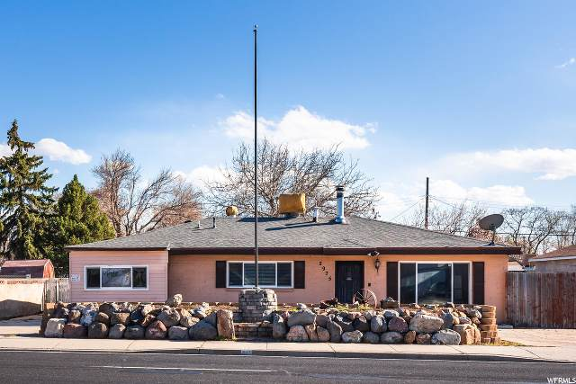 2975 W 3100 S, Salt Lake City, UT 84119 (#1666414) :: Gurr Real Estate Team