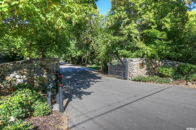 2625 E Providence Ct, Holladay, UT 84121 (#1666755) :: Colemere Realty Associates