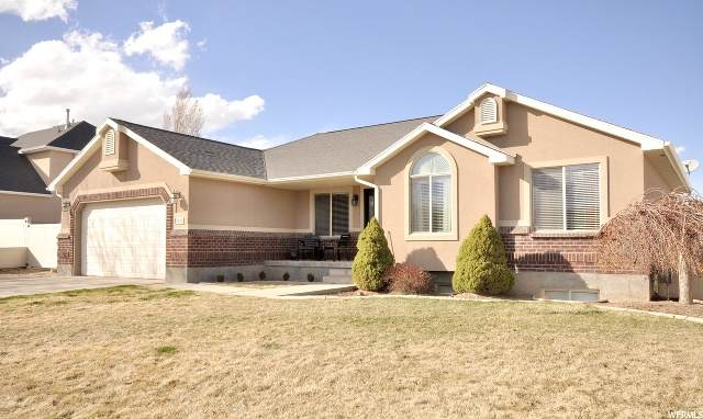 5814 W Gold Stone Dr S, South Jordan, UT 84009 (MLS #1669047) :: Lookout Real Estate Group