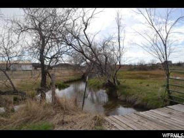 5573 S 4300 W, Hooper, UT 84315 (#1672124) :: Doxey Real Estate Group