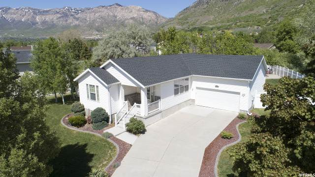 1318 N Fowler Ave, Ogden, UT 84404 (MLS #1672686) :: Lookout Real Estate Group