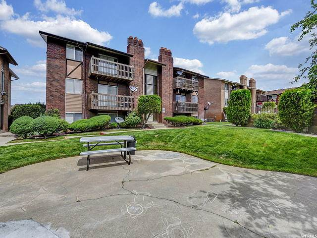 5545 S 2100 W #18, Roy, UT 84067 (#1674131) :: Colemere Realty Associates