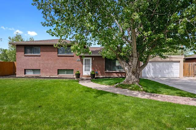 7484 S Launa St, Midvale, UT 84047 (#1674309) :: Red Sign Team