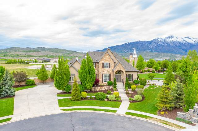 11252 N Brittany Cir W, Highland, UT 84003 (#1674319) :: Colemere Realty Associates