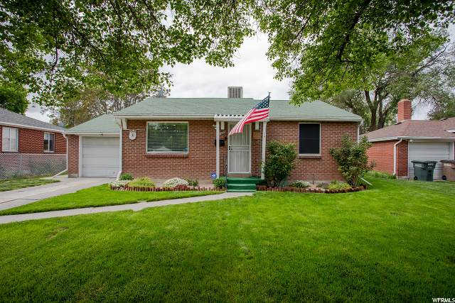 1188 S Redwood Dr W, Salt Lake City, UT 84104 (MLS #1674404) :: Lawson Real Estate Team - Engel & Völkers