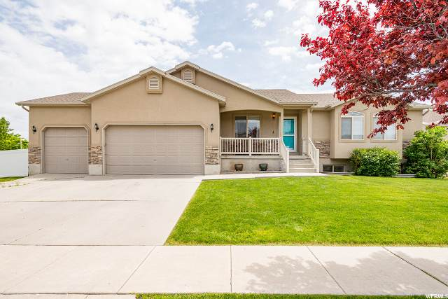 3113 S Domian Ct W, West Valley City, UT 84128 (#1674634) :: Colemere Realty Associates