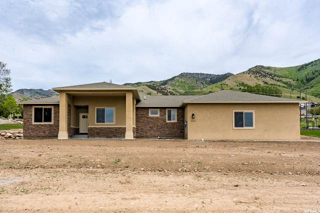 2948 Ridgeview Dr, North Logan, UT 84341 (#1675214) :: The Fields Team