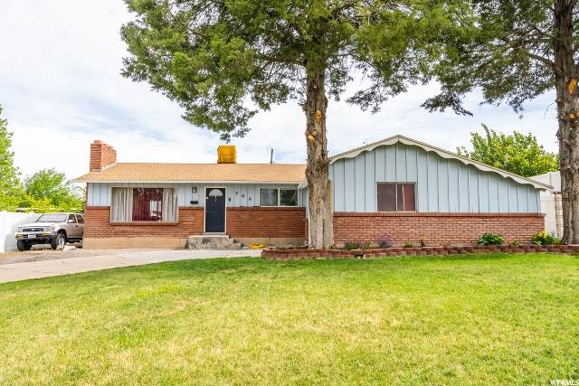 300 W 2575 N, Sunset, UT 84015 (MLS #1675254) :: Lookout Real Estate Group