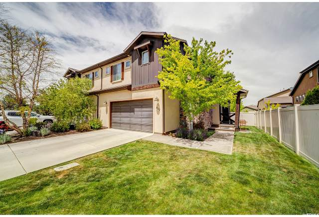 827 E Olivia View Ln, Salt Lake City, UT 84107 (#1675456) :: Colemere Realty Associates
