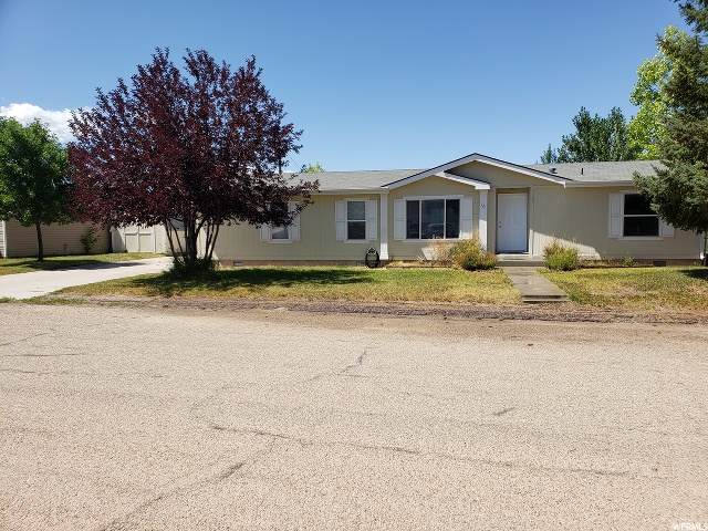 121 N 1ST Ave, Dutch John, UT 84023 (#1675492) :: Big Key Real Estate