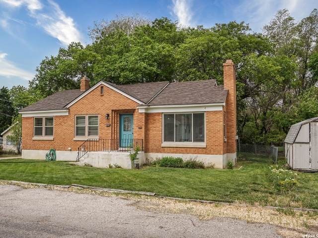 897 S Orchard Ave, Ogden, UT 84404 (#1676110) :: Colemere Realty Associates