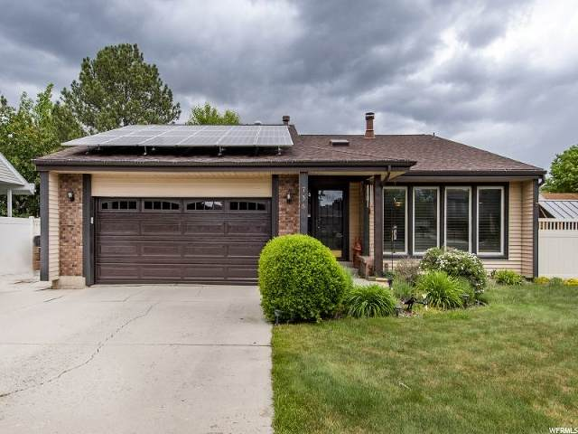 736 W Chaparral Dr, Salt Lake City, UT 84123 (#1676244) :: Colemere Realty Associates
