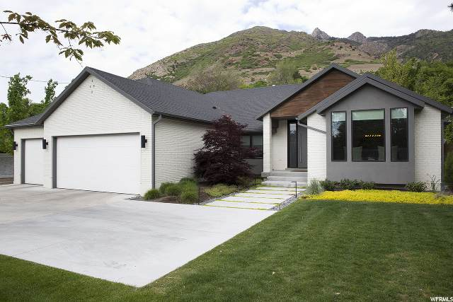 5571 S Holladay Blvd E, Holladay, UT 84117 (#1677063) :: Big Key Real Estate