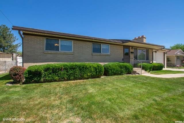 4270 W Paskay Dr S, West Valley City, UT 84120 (#1677574) :: Colemere Realty Associates
