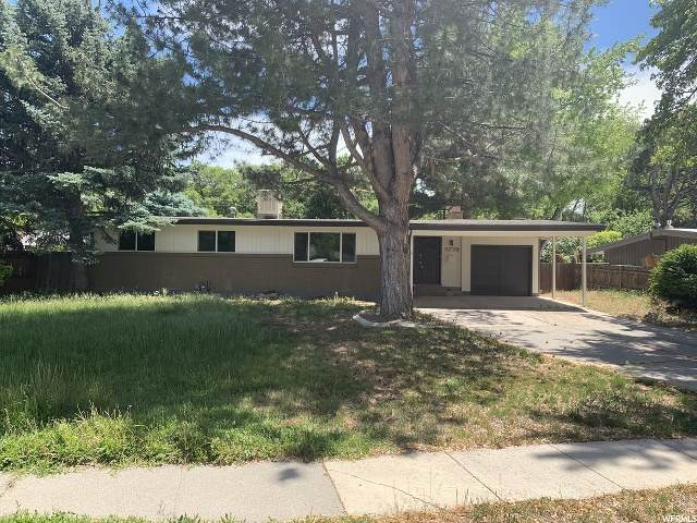 5779 S Beaumont Dr E, Holladay, UT 84121 (#1677687) :: Red Sign Team